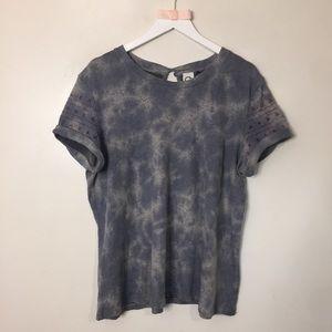 Anthropologie Akemi + Kin Shirt. Size XL